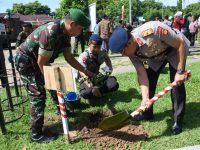 Sambut Hari Juang Kartika, Wakapolda Sulsel Turut Laksanakan Penanaman Pohon