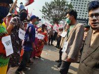 Simbolkan Babu Melawan Majikan di KPK, Demonstran Aksi Kenakan Daster
