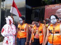 Minta Novel Baswedan Sumpah Pocong, Corong Rakyat : Biar Penegakan Hukumnya Gak Mati Kayak Pocong!