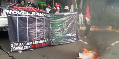 Corong Rakyat : Tuntaskan Kasus Novel, Ingat No Justice No Peace!